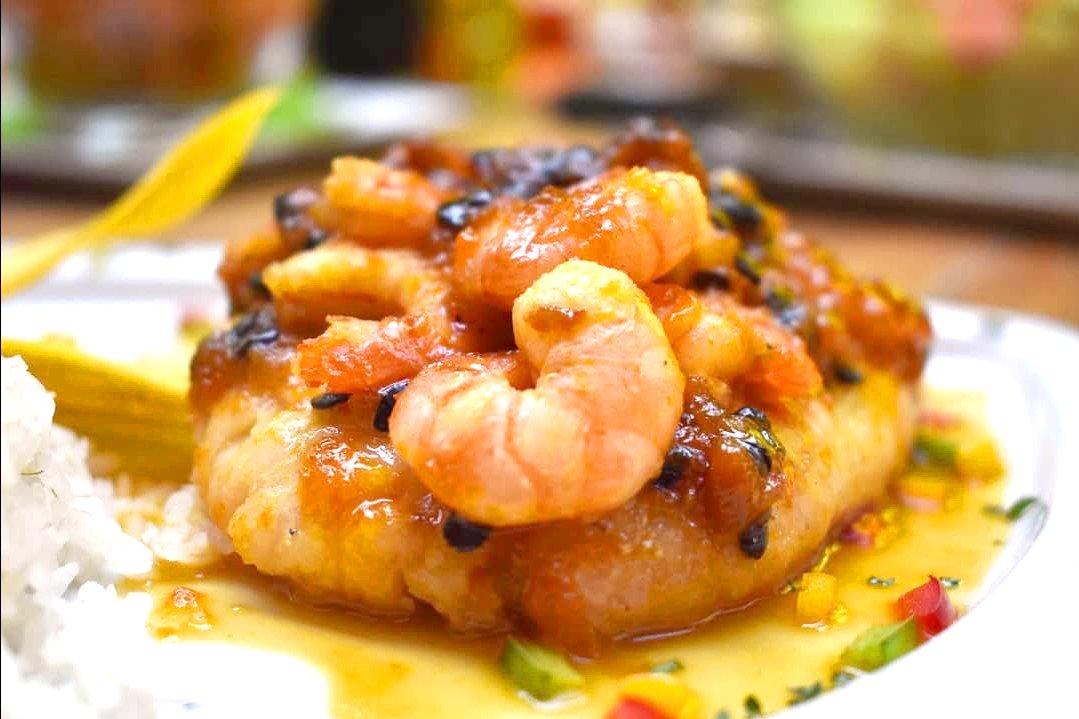 la-casona-restaurante-pizzeria-santa-marta-comida-pescado-en-salsa-de-maracuya-procesado